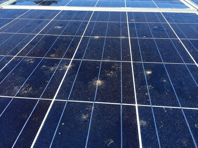 How do solar panels get dirty?